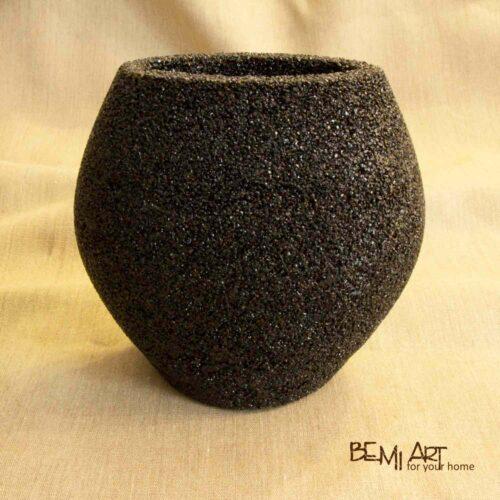 Váza na květiny černá - kamenná drť